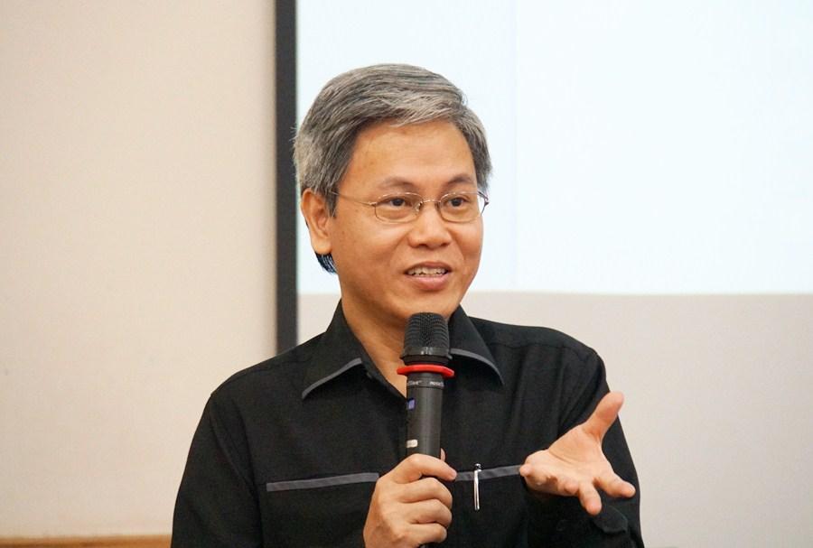 Giản Tư Trung